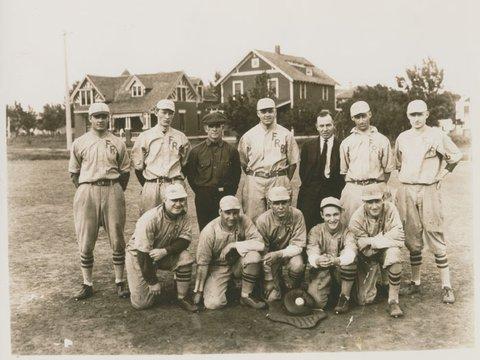 Image of 15 1920s baseball team ca 1920s.jpg