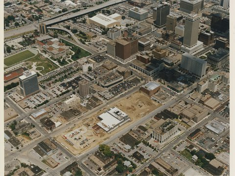 Image of 1985_12xx_omaha_branch_construction_areial_view_southwest_looking_northeast