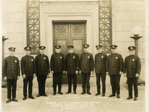 Image of 1OKC Police Guard 02 1924.jpg