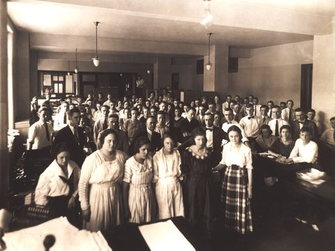 Image of 9branch employees opening day 8.2.1920.jpg