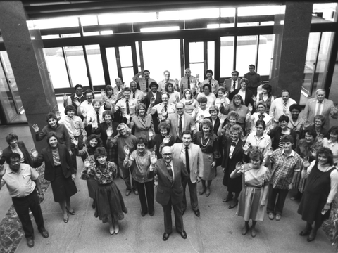 Image of employees_new_building_lobby_1986_03
